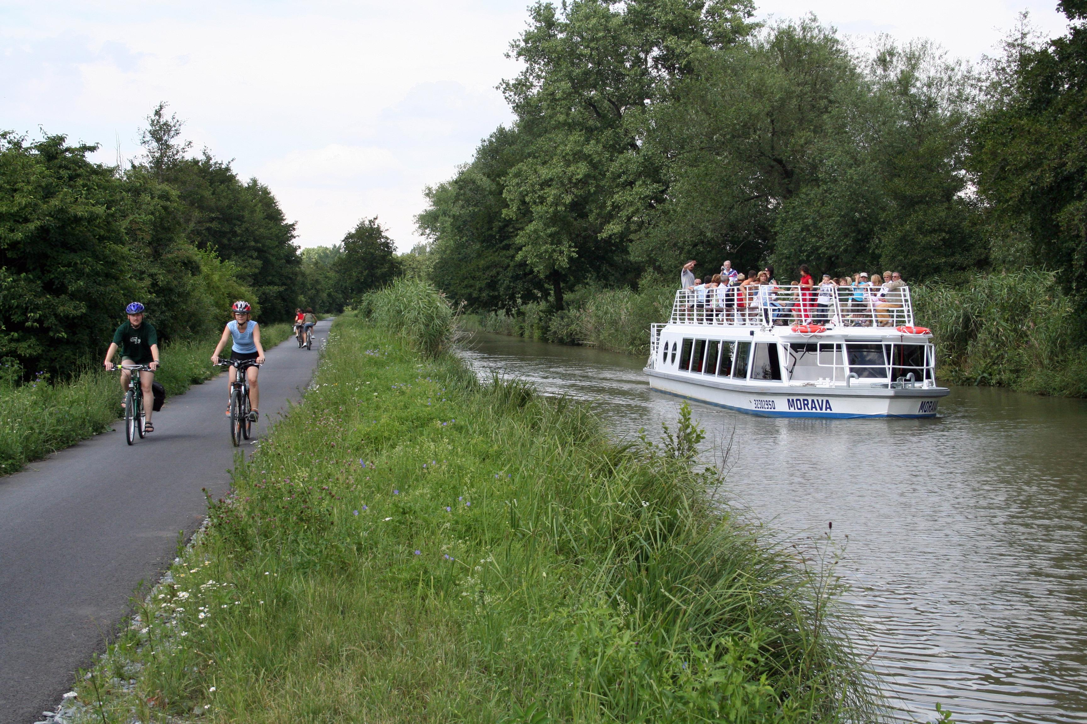 Výsledek obrázku pro Cyklostezka baťův kanál